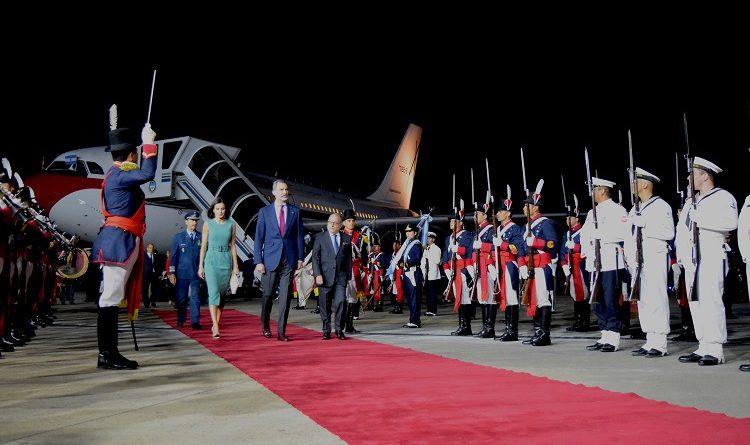 El canciller Jorge Faurie recibió a sus Majestades Reales de España