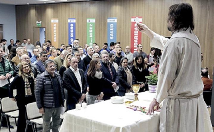 """Emotiva misa Oficiada por el Padre José María """"Pepe"""" Di Paola"""