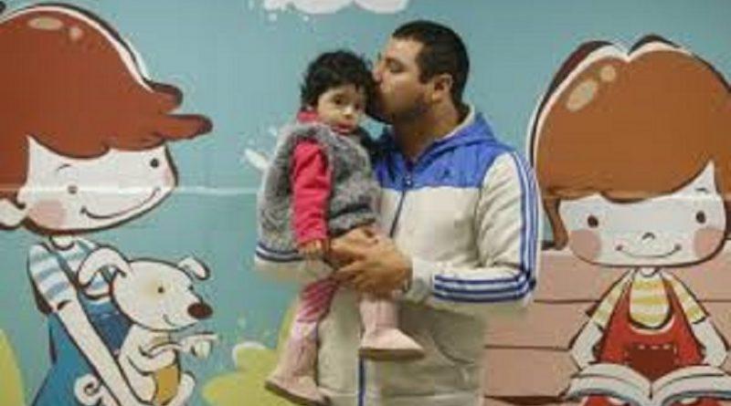Estabilidad laboral del padre hasta el primer año de vida del hijo.