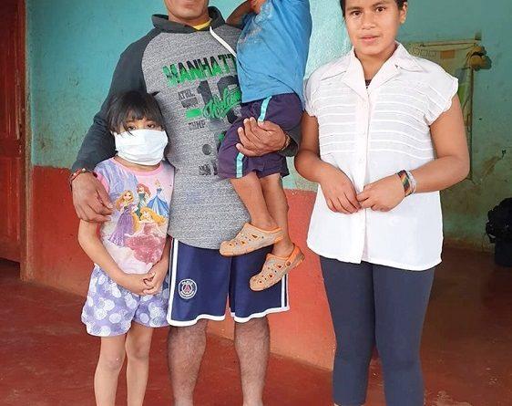 Familia mbya de la comunidad Teoka Arandú necesita ayuda