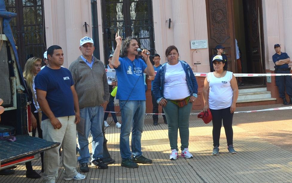 Acto en la plaza después de la marcha por Paz, Pan, Tierra y Trabajo