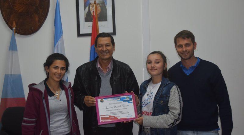 Lourdes Magali Duarte es oriunda de la localidad de Campo Ramón, tiene 16 años y cursa el cuarto año de la institución agraria de la Capital Nacional del Te