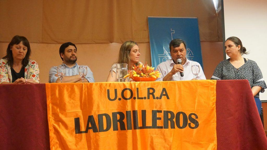 Mgter Gisela Spaciuk y Mgter Cristian Garrido, Decana y el Vice Decano de la FHyCS; la especialista Lucila Zayas,