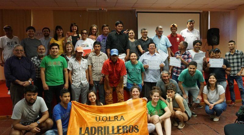 Trabajadores y Trabajadoras oleras recibieron certificados de capacitación en la Facultad de Humanidades y Ciencias Sociales (FHyCS)
