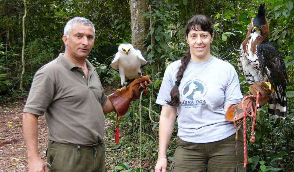 Jorge y Silvia del Centro de Rescate, Rehabilitación y Recría de Fauna Silvestre Güirá Oga