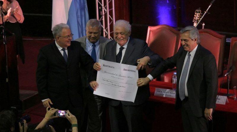 Ginés González García recibió el título de Doctor Honoris Causa por la Universidad de Buenos Aires