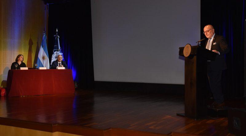 J. Faurie en el Auditorio Manuel Belgrano de la Cancillería