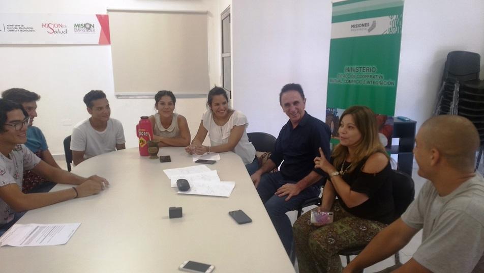 Cooperativa de Trabajo ReciQuim Limitada y la Ministra Karina Aguirre