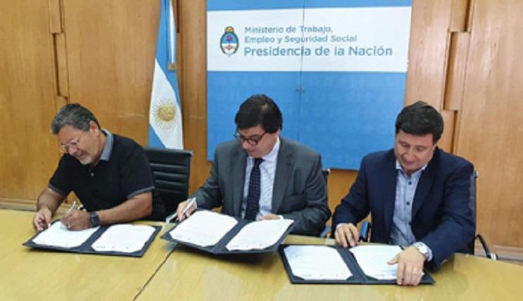 Gerardo Martínez Sec. Gral. UOCRA - ministros de Trabajo y de Desarrollo Social de la Nación, Claudio Moroni y Daniel Arroyo