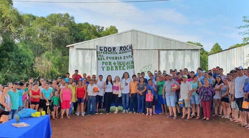 La coordinadora Liliana Corzo en la Cooperativa Agroecológica del Pueblo Evita en Roca