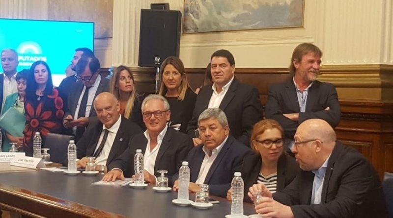 L. Pastori presente en la conferencia de juntos por el cambio en la Cámara de Diputados