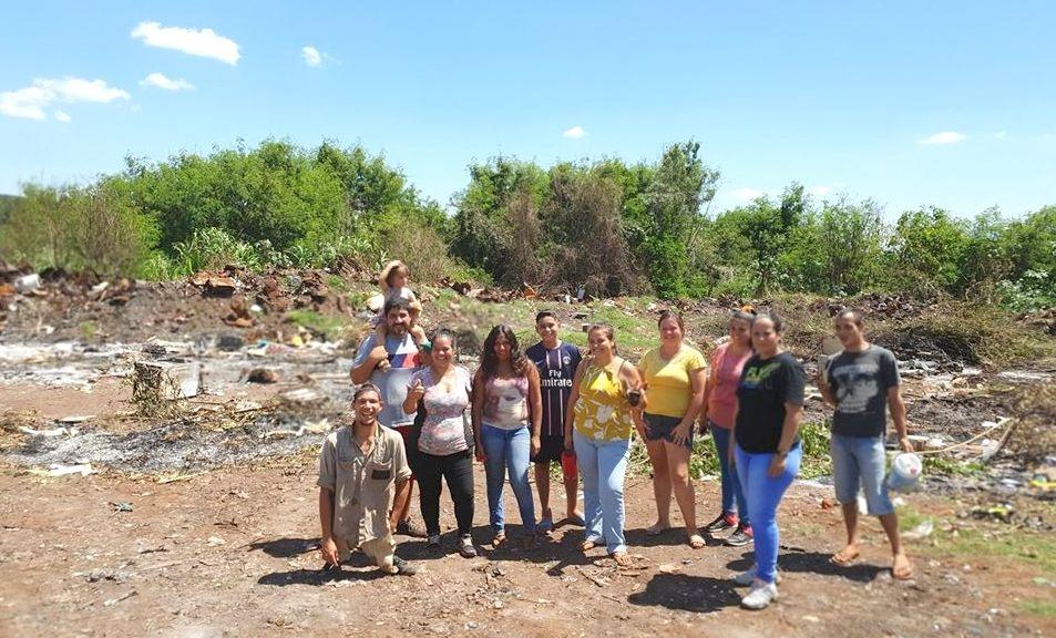 Familias sobreviven en medio de la contaminación de su barrio Apepú