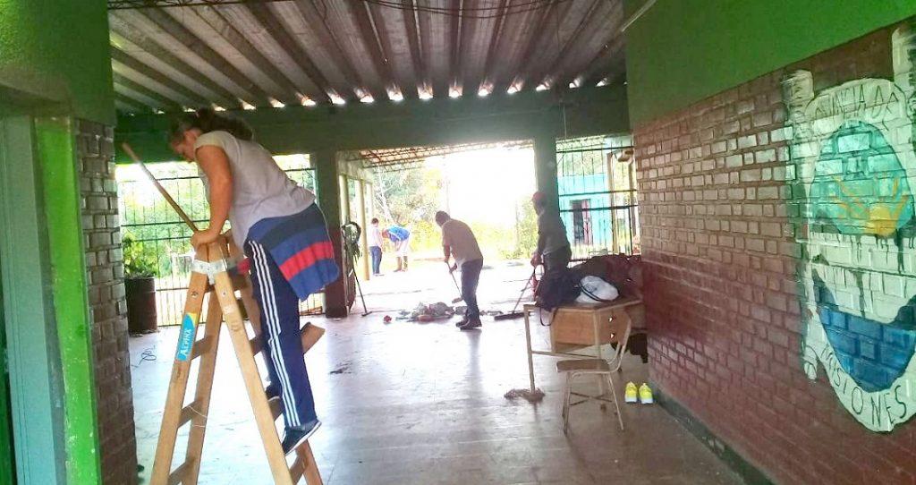 Las organizaciones sociales pusieron manos a la obra en las escuelas
