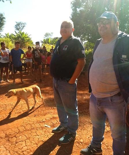 Funcionarios de la Dirección de Asuntos Guaraníes en la comunidad de Perutí