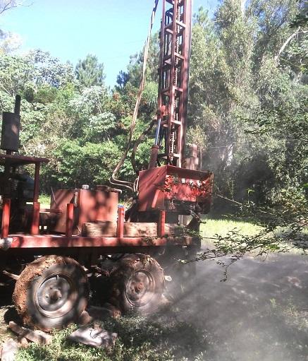 Las máquinas para perforación de pozo trabajaron en Colonia Gisela, las familias tendrán agua