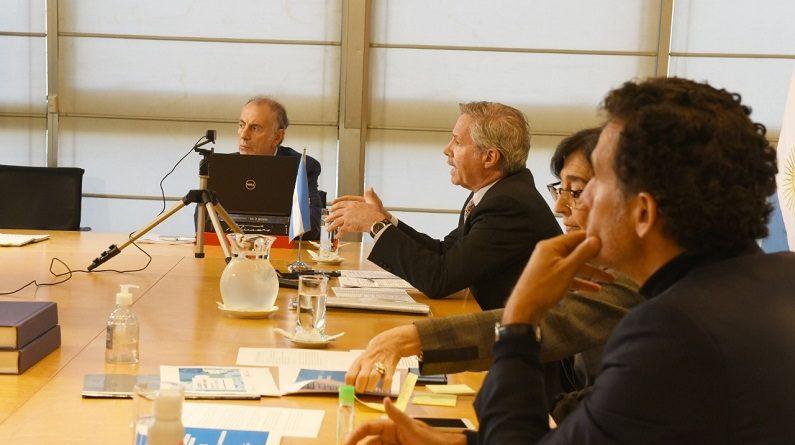 Teleconferencia con representantes de casi 30 entidades vinculadas al sector agroindustrial argentino