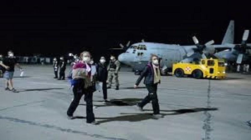 Vuelos- 826 compatriotas regresan