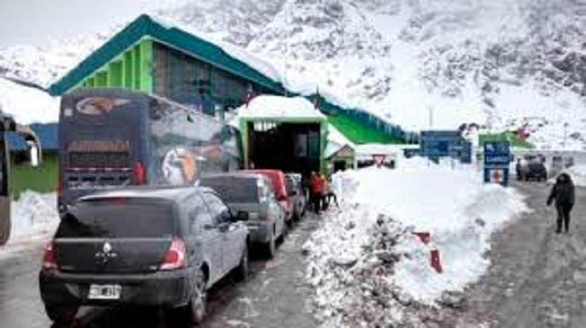 Autorizan el tránsito por los pasos fronterizos habituales de forma excepcional