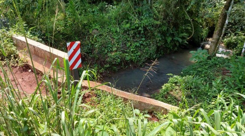 Familias agricultoras solicita elevación del nivel de altura de dos puentes en Paraje Labrado