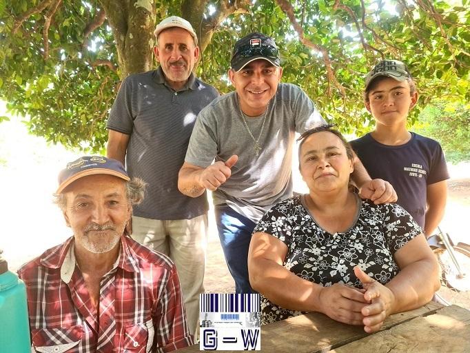 Familias del Paraje Colonia Itatí reclaman suministro de luz, atención sanitaria y caminos