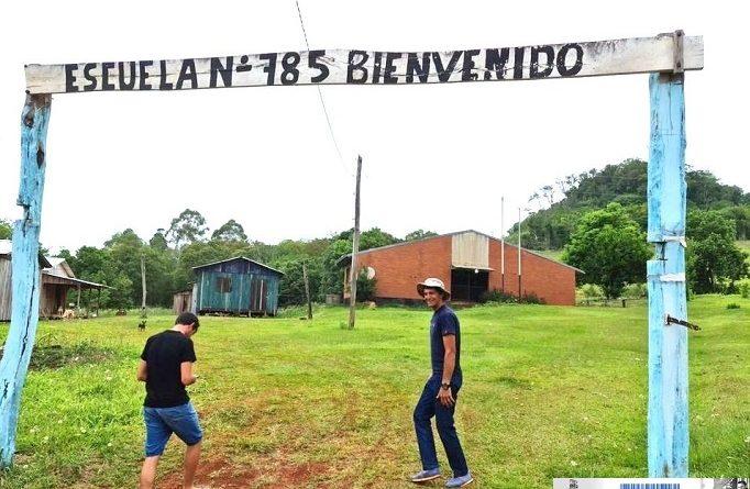 Comunidad educativa de Escuela 785 de Picada 2 de Abril