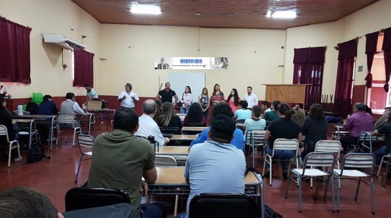 78 PROFESIONALES SE TITULARON COMO PROFESORES EN EDUCACIÓN TÉCNICO