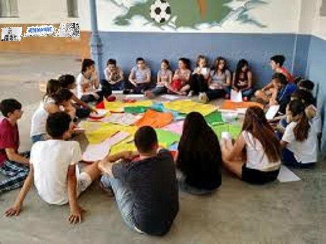 Programa de formación para jóvenes de escasos recursos
