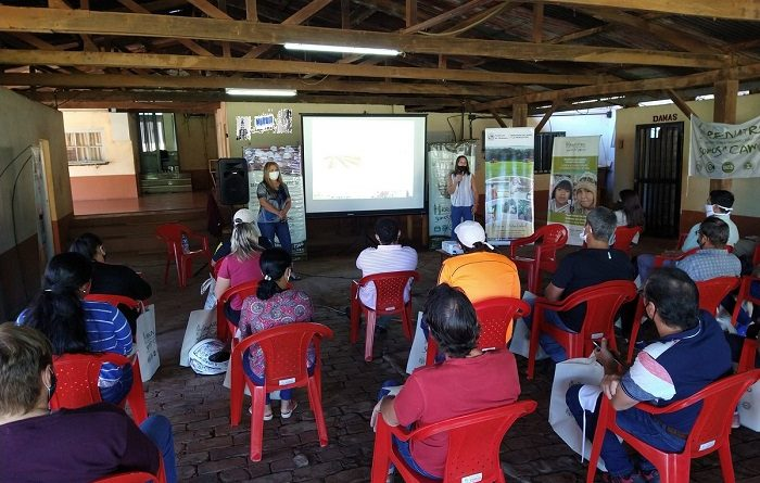 Capacitación destinada a trabajadores rurales del té