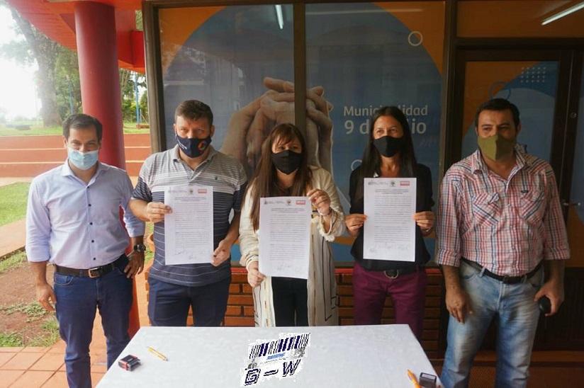 Firma de convenios en Santiago de Liniers y 9 de Julio