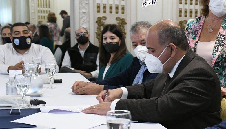 Firma de la creación del Registro Provincial de Ladrilleros Artesanales en Tucumán