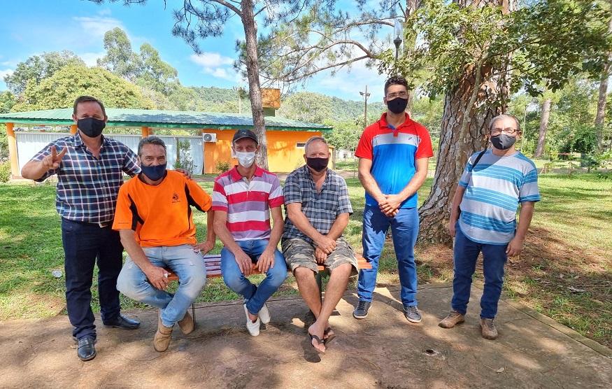 Pescadores artesanales de El Soberbio reclama una ley provincial que los reconozca