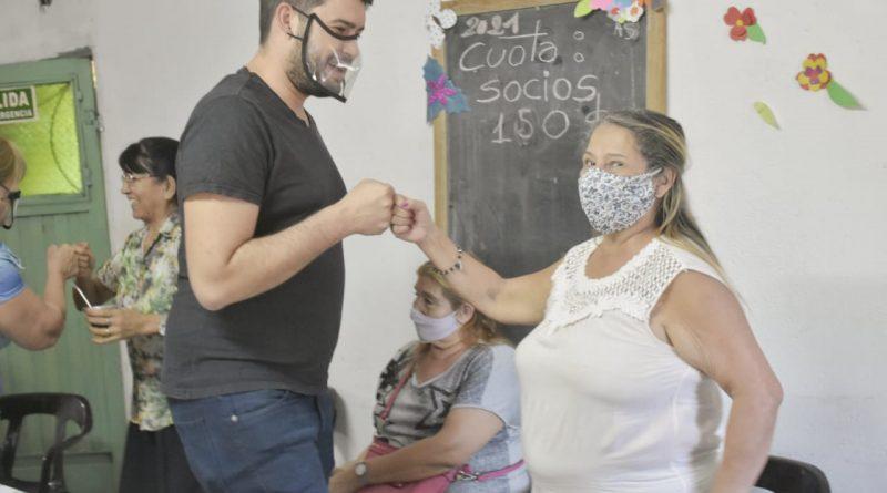 Francisco Souza, visita el centro de jubilados Rincón de Encuentro