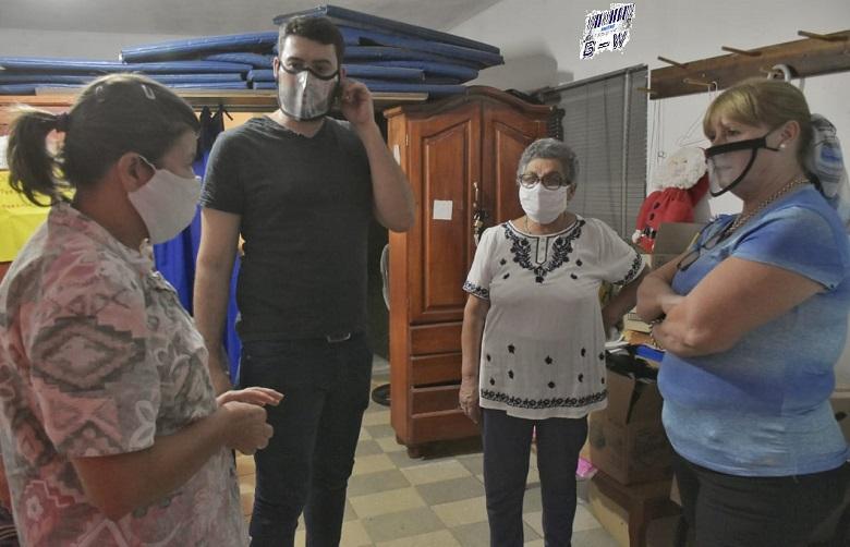 """Los candidatos del sub-lema """"Un par para mi ciudad"""", visitaron el centro de jubilados """"Rincón de Encuentro"""""""